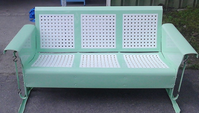 Picture Powdercoated Basketweave Three Seat Metal Vintage Porch Glider
