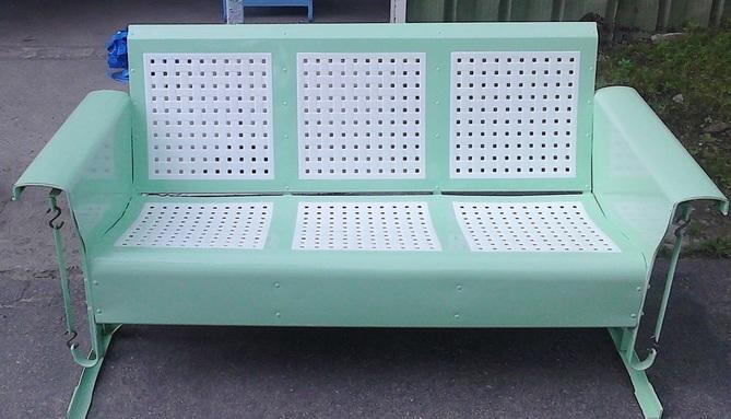 Picture Powdercoated Basketweave Three Seat Metal Vintage Porch Glider