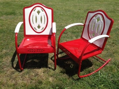 Vintage Metal Chairs And Retro Patio Tables Vintage Metal Gliders Old Fashioned Metal Chairs