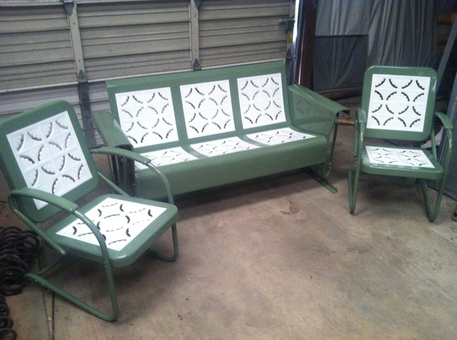 Picture Piecrust Vintage Metal 3seat Porch Glider